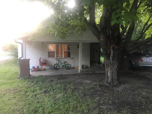 5522 Greenfield Street, Fountaintown, IN 46130 (MLS #21799214) :: Richwine Elite Group