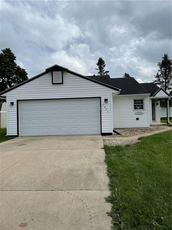 1025 Cardinal Court, Greentown, IN 46936 (MLS #21799355) :: Mike Price Realty Team - RE/MAX Centerstone