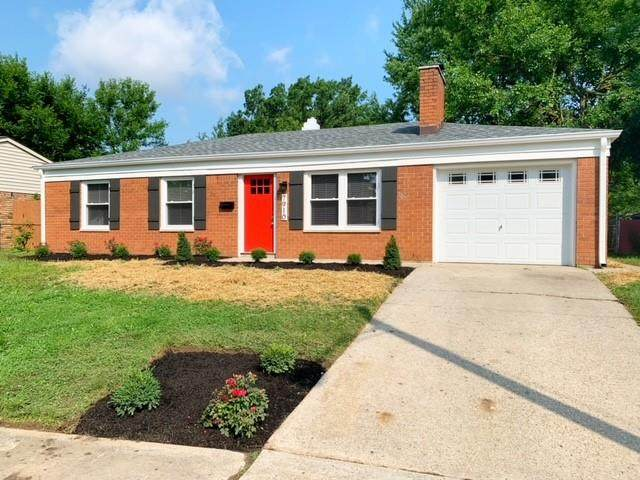 7910 Cullen Drive, Indianapolis, IN 46219 (MLS #21799389) :: AR/haus Group Realty
