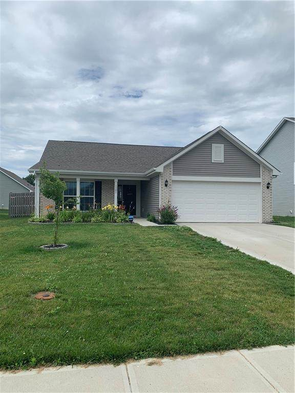 1301 W Wyndstone Way, Fortville, IN 46040 (MLS #21800234) :: Mike Price Realty Team - RE/MAX Centerstone