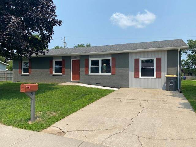 803 Holiday Drive, Seymour, IN 47274 (MLS #21800249) :: Mike Price Realty Team - RE/MAX Centerstone