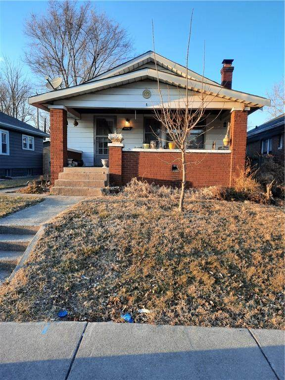 5230 E Saint Clair Street, Indianapolis, IN 46219 (MLS #21800524) :: Richwine Elite Group