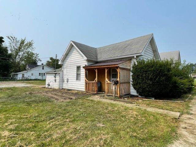 615 Chicago Street, Lebanon, IN 46052 (MLS #21800665) :: The Indy Property Source
