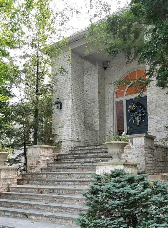 7611 William Penn Drive, Indianapolis, IN 46256 (MLS #21801071) :: The Indy Property Source