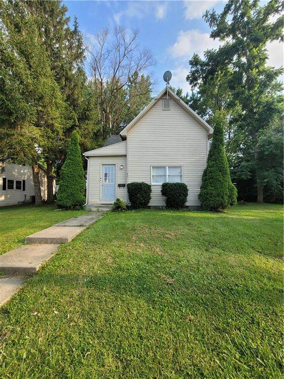 435 W High Street, Montpelier, IN 47359 (MLS #21801092) :: AR/haus Group Realty