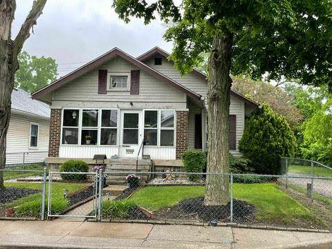 1218 Hoefgen Street, Indianapolis, IN 46203 (MLS #21802136) :: The Indy Property Source