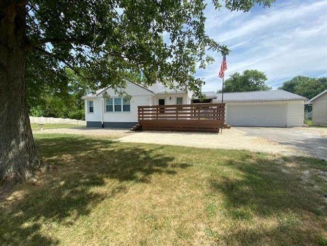12820 N County Road 1000 W, Gaston, IN 47342 (MLS #21806540) :: The ORR Home Selling Team