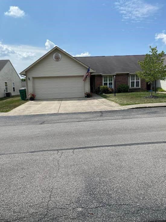 316 Woodberry Drive, Danville, IN 46122 (MLS #21808545) :: JM Realty Associates, Inc.