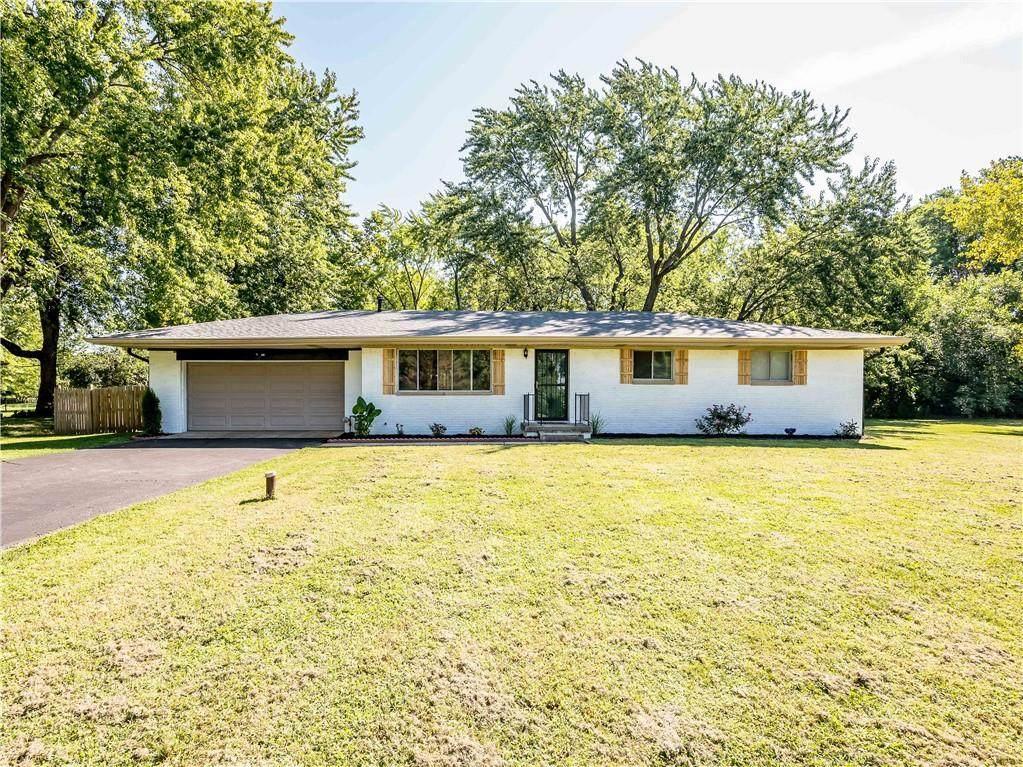 8131 Briarwood Drive - Photo 1