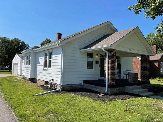 1930 Gilmore Street, Columbus, IN 47201 (MLS #21812044) :: Mike Price Realty Team - RE/MAX Centerstone