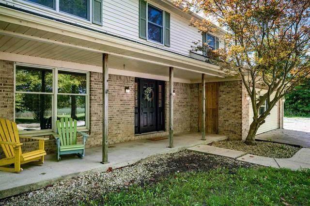 13241 W Bethel Avenue, Yorktown, IN 47396 (MLS #21812648) :: The ORR Home Selling Team