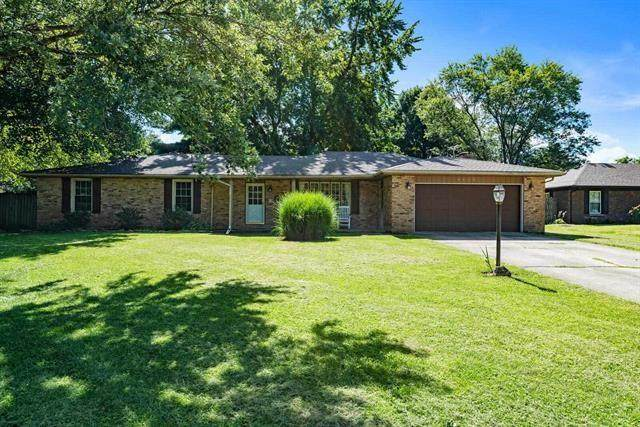 9115 W Tulip Tree Drive, Muncie, IN 47304 (MLS #21812858) :: The Indy Property Source