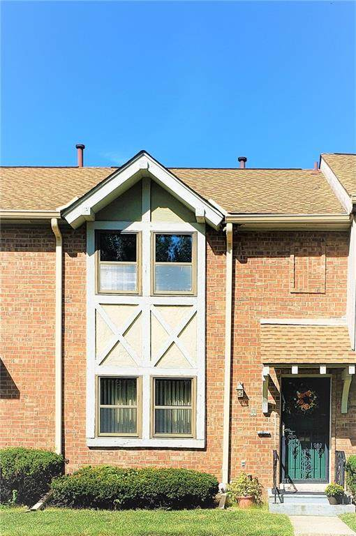 8031 E 20th Street #8031, Indianapolis, IN 46219 (MLS #21816312) :: JM Realty Associates, Inc.