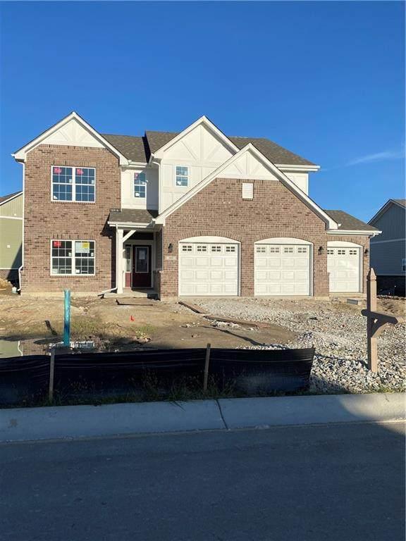 585 Freedom Drive, Pittsboro, IN 46167 (MLS #21820117) :: Dean Wagner Realtors
