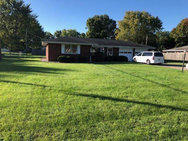 2323 E 39th Street, Anderson, IN 46013 (MLS #21820134) :: The Evelo Team