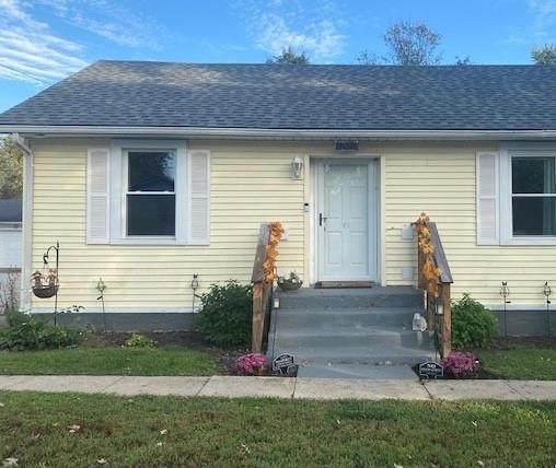 301 N High Street, Jamestown, IN 46147 (MLS #21820474) :: AR/haus Group Realty