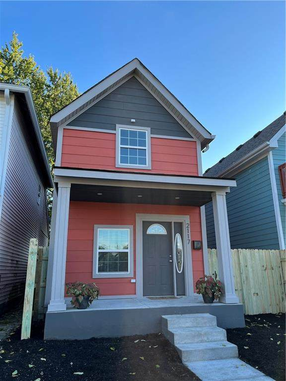 2117 Pleasant Street, Indianapolis, IN 46203 (MLS #21820924) :: The Evelo Team