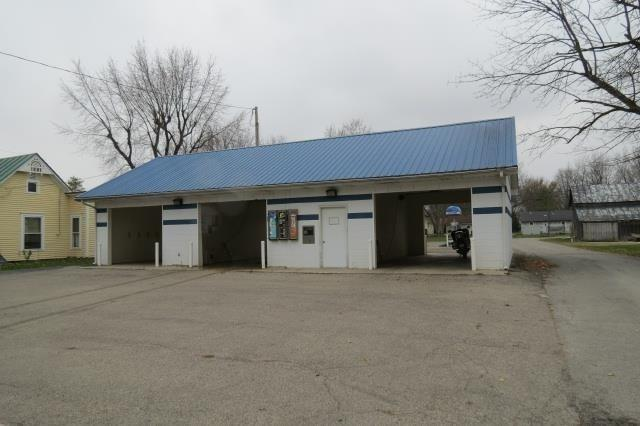 295 S Main Street, Farmland, IN 47340 (MLS #21480826) :: AR/haus Group Realty