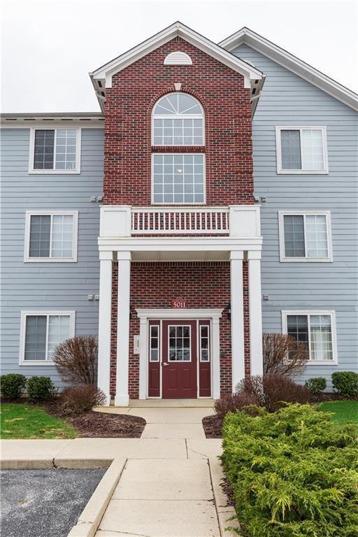 5011 Amber Creek Place #312, Indianapolis, IN 46237 (MLS #21555646) :: FC Tucker Company