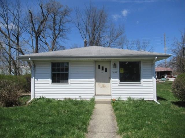 1608 W 19th Street, Anderson, IN 46016 (MLS #21557624) :: The Indy Property Source