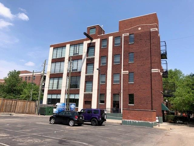 624 E Walnut Street #111, Indianapolis, IN 46204 (MLS #21566140) :: Indy Plus Realty Group- Keller Williams