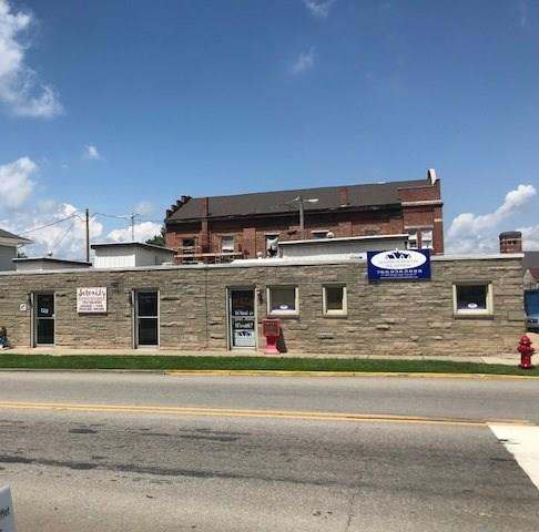 202 W 1st Street, Rushville, IN 46173 (MLS #21589350) :: AR/haus Group Realty