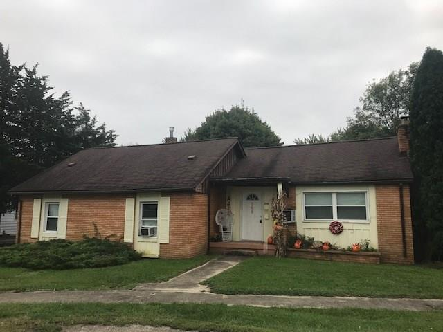 209 Harlan Street, Plainfield, IN 46168 (MLS #21599643) :: Mike Price Realty Team - RE/MAX Centerstone