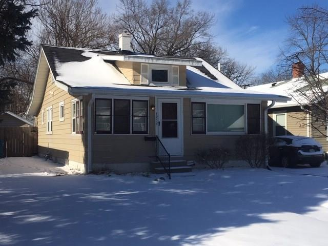 4952 Kingsley Drive N, Indianapolis, IN 46205 (MLS #21607749) :: Mike Price Realty Team - RE/MAX Centerstone
