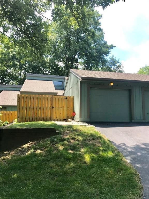 170 Sugarwood Lane B-4, Avon, IN 46123 (MLS #21653461) :: The Star Team | RE/MAX Realty Group