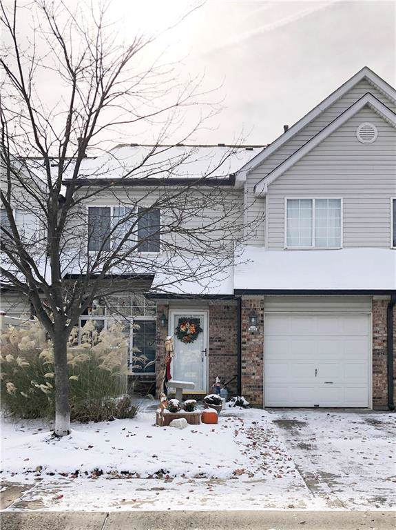 9441 Avon Strand B, Avon, IN 46123 (MLS #21681105) :: Heard Real Estate Team | eXp Realty, LLC