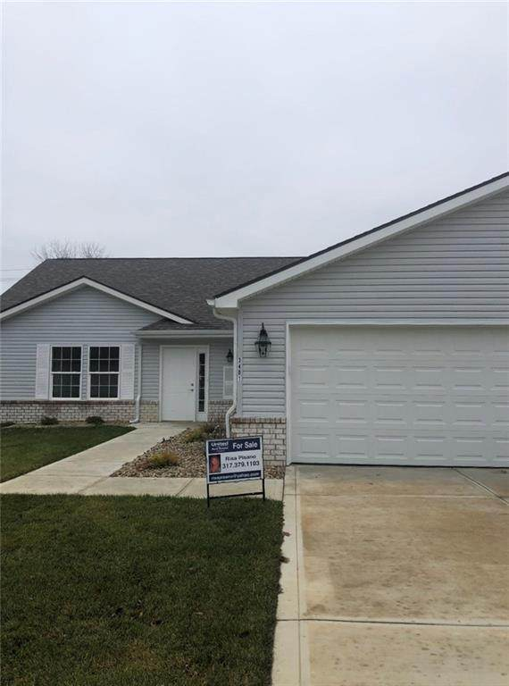 3401 Village Drive, Anderson, IN 46011 (MLS #21682329) :: AR/haus Group Realty