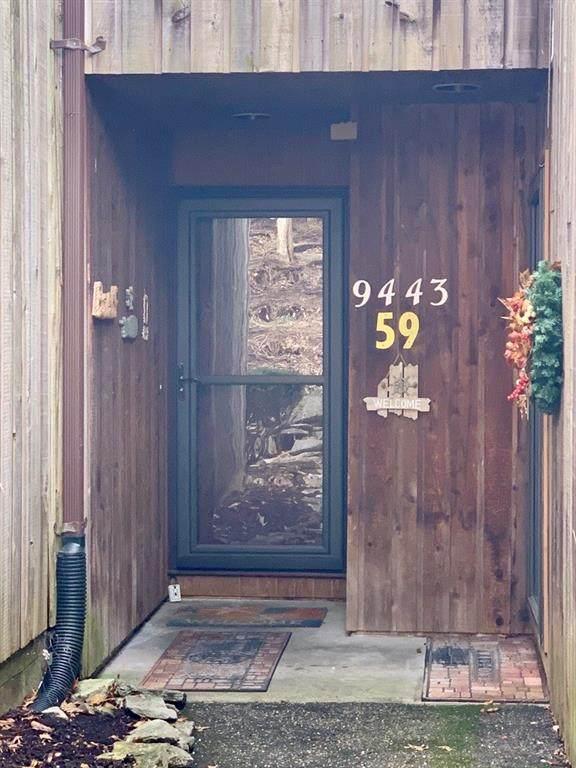 9443 S Pointe Lasalles Drive, Bloomington, IN 47401 (MLS #21697808) :: AR/haus Group Realty