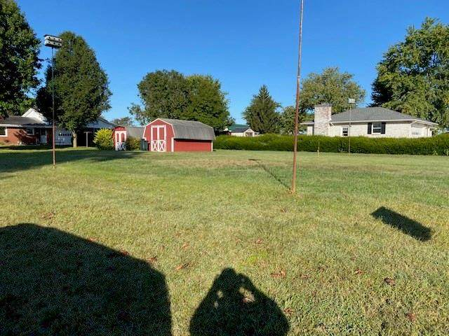2298 Locust Court, Seymour, IN 47274 (MLS #21742358) :: The Evelo Team