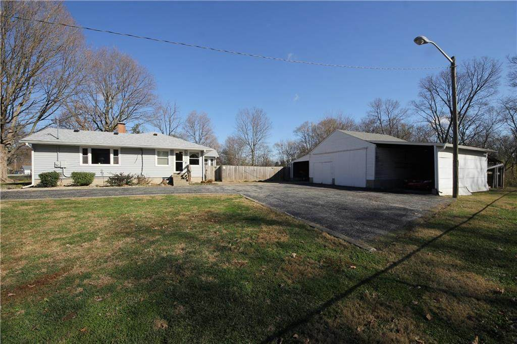 3431 Mooresville Road - Photo 1