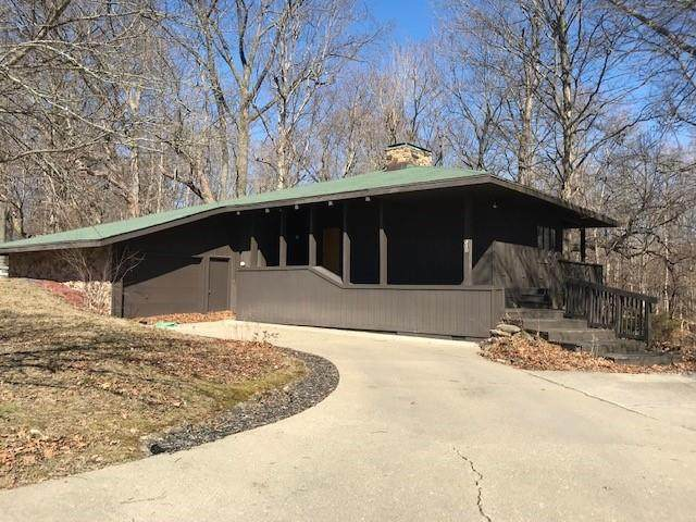 310 Old Mill Trace, Crawfordsville, IN 47933 (MLS #21769134) :: AR/haus Group Realty