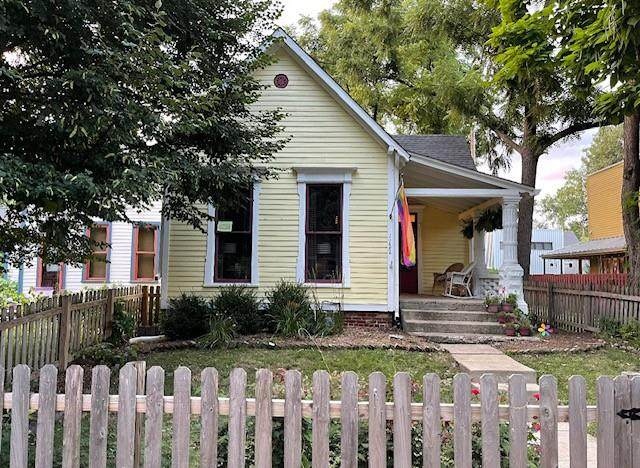 1122 E 9TH Street, Indianapolis, IN 46202 (MLS #21781266) :: Mike Price Realty Team - RE/MAX Centerstone