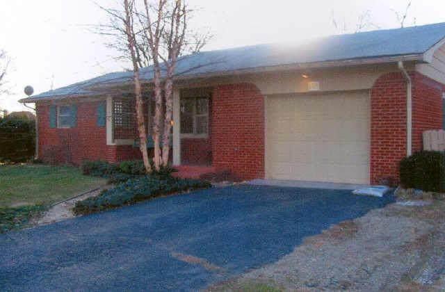 605 Hillcrest Drive, Westfield, IN 46074 (MLS #21787623) :: Pennington Realty Team