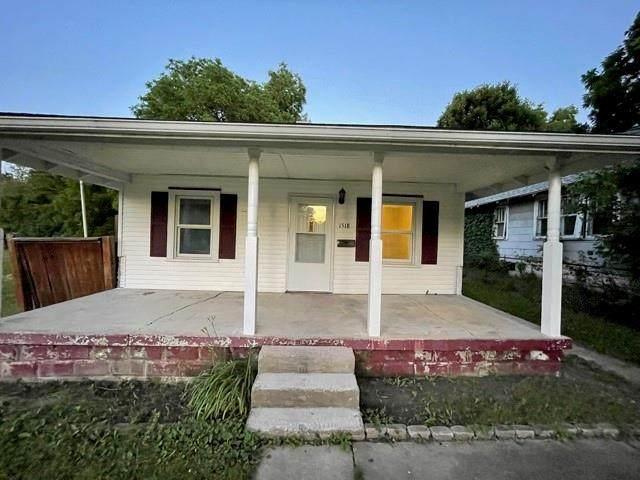1518 E Lynn Street, Anderson, IN 46016 (MLS #21792318) :: Ferris Property Group