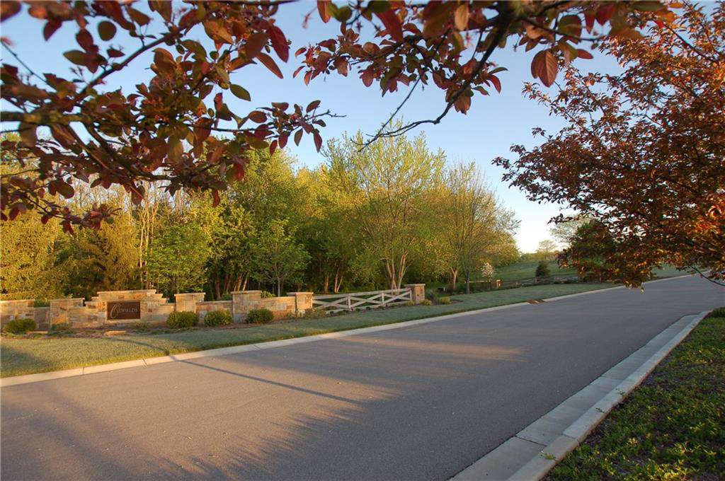 8820 Foxland Run - Photo 1