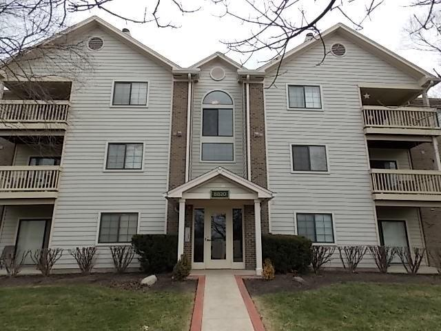 8820 Yardley Court #208, Indianapolis, IN 46268 (MLS #21577784) :: The ORR Home Selling Team