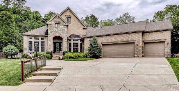 6835 Royal Oakland Drive, Indianapolis, IN 46236 (MLS #21642927) :: David Brenton's Team