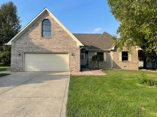 218 Edgewood Court, Pittsboro, IN 46167 (MLS #21808229) :: The Indy Property Source