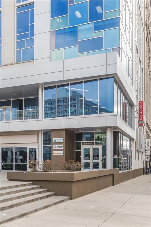 1 Virginia Avenue #801, Indianapolis, IN 46204 (MLS #21625558) :: David Brenton's Team