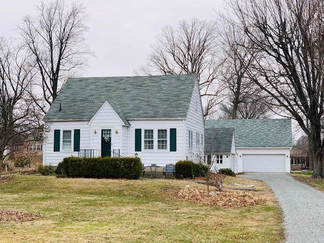 442 E 300 N, Anderson, IN 46012 (MLS #21681050) :: AR/haus Group Realty