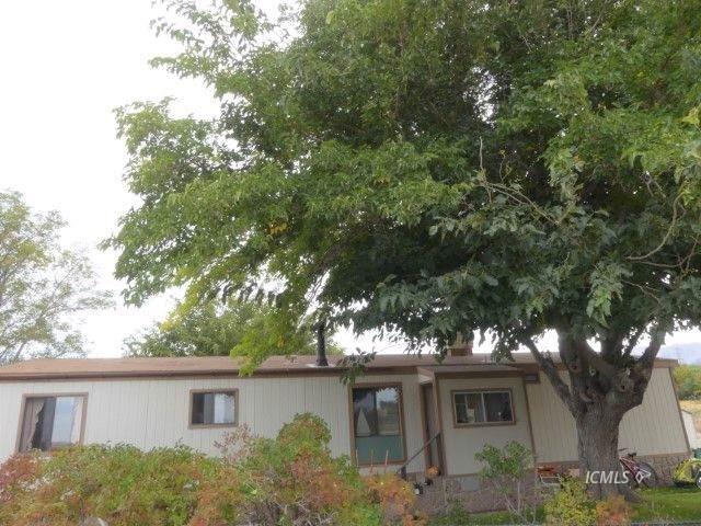 700 Glacier Lodge Rd #15, Big Pine, CA 93513 (MLS #2311153) :: Millman Team