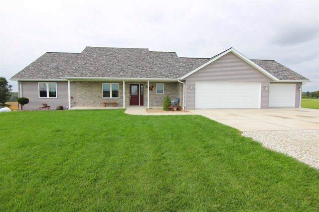 1682 Willow Dr, Williamsburg, IA 52361 (MLS #20196075) :: The Johnson Team