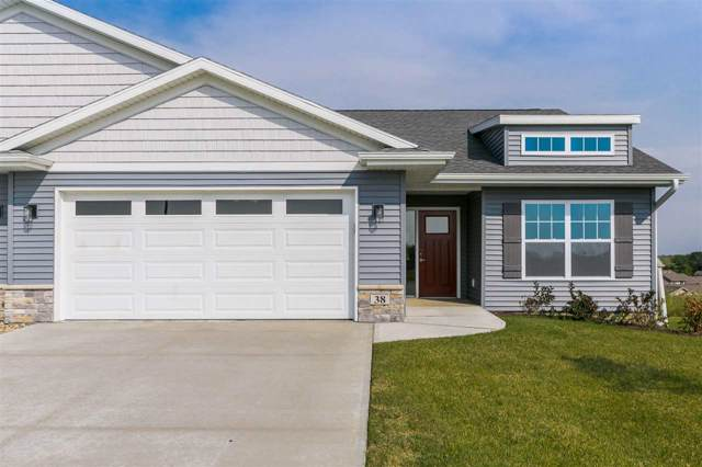 38 Pinnacle Ln, Tiffin, IA 52340 (MLS #202000615) :: The Johnson Team