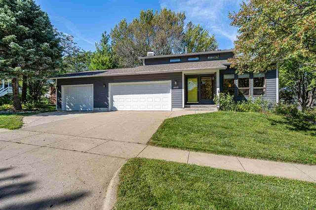 1013 Deerfield Drive, Iowa City, IA 52246 (MLS #202001125) :: The Johnson Team