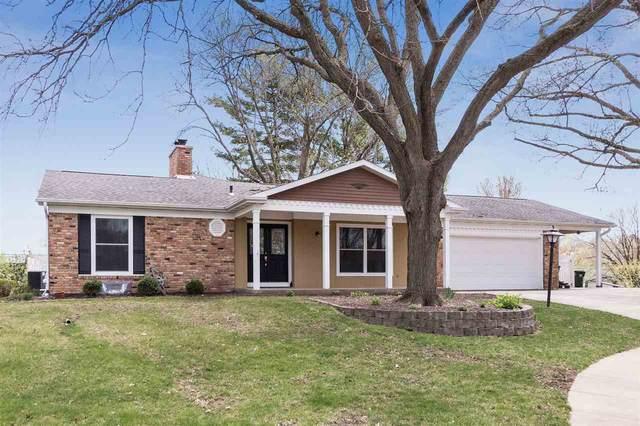 4 Crestwood Circle, Iowa City, IA 52245 (MLS #202001126) :: The Johnson Team