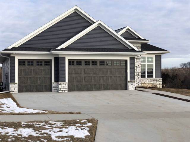 700 Rolling Hills Dr, Tiffin, IA 52340 (MLS #202001158) :: The Johnson Team